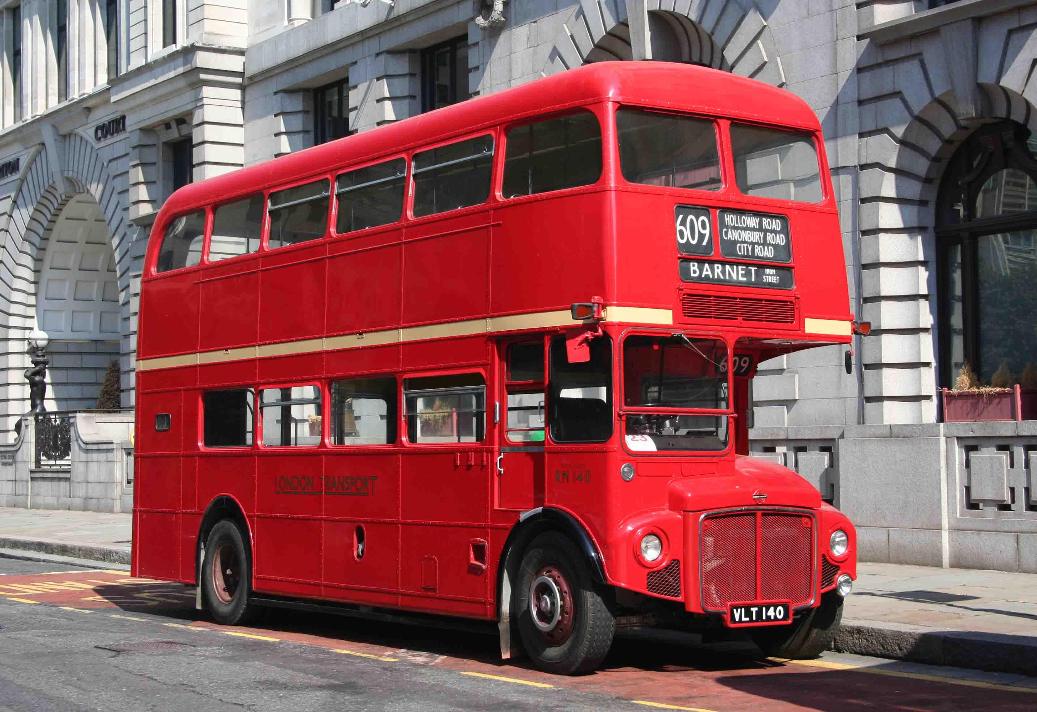1959 AEC Routemaster bus - RM140 - London Bus Museum