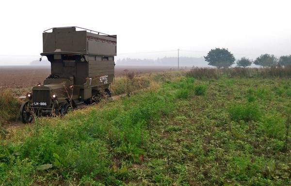 B2737 Battlebus